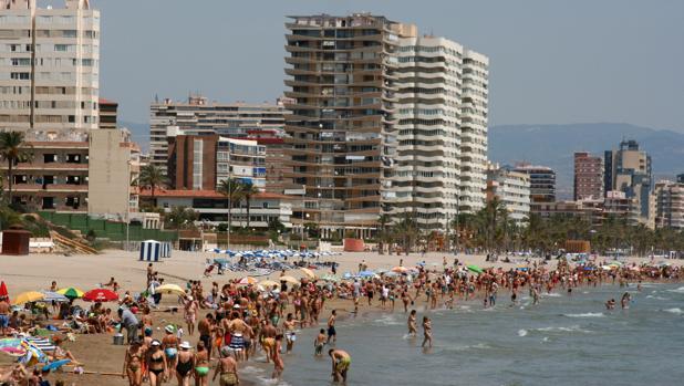 Playa de San Juan, en Alicante, una de las provincias prefereidas por el consumidor español para comprar vivienda vacacional