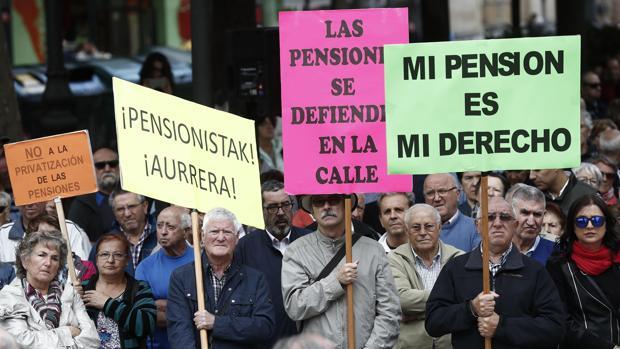 La revalorización de las pensiones, pactada por el anterior Ejecutivo con el PNV, costará 704 millones de euros