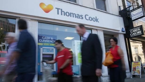 Thomas Cook achacó los números rojos al retraso de los consumidores a reservar vacaciones para este verano