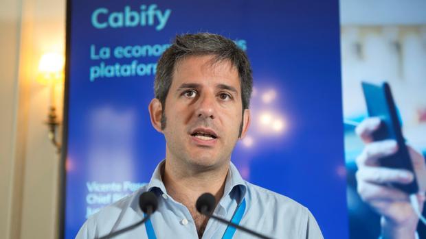 Vicente Pascual Olmos, durante el curso «Las finanzas sostenibles y su importancia en el futuro de la economia», hoy dentro de la programación de la Universidad Internacional Menéndez Pelayo en Santander