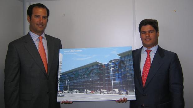 Ignacio Parias (izquierda) con Javier Fal Conde, en una imagen de archivo