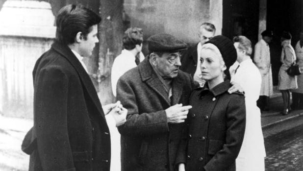 Buñuel y su idea de mujer, entre el recato y el erotismo