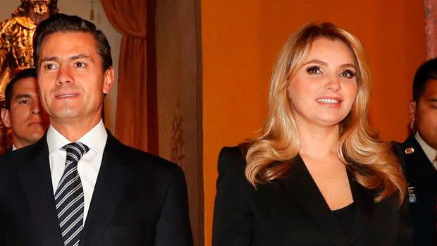 Angélica Rivera junto a Enrique Peña Nieto