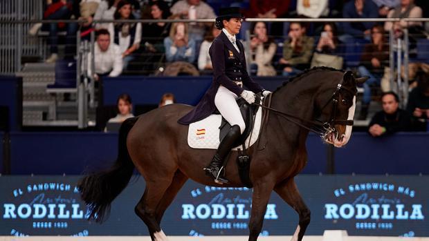 Beatriz Ferrer-Salat, durante una competición de doma clásica
