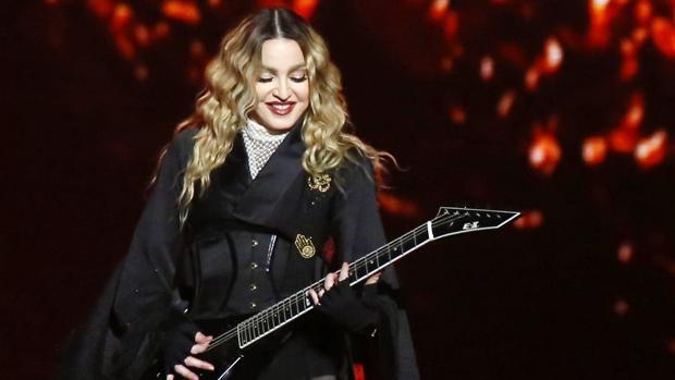 La cantante estadounidense Madonna durante un concierto de su tour «Rebel Hart»