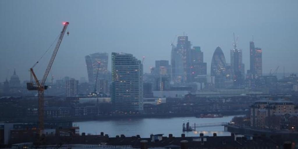 Extranjeros en el Reino Unido: «No veo a los ingleses haciendo los trabajos mal pagados»
