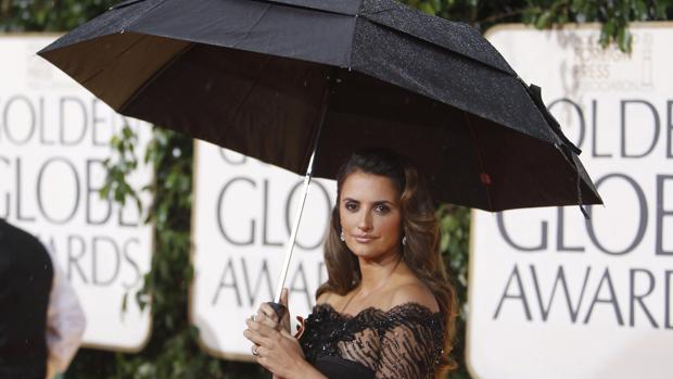 Penélope Cruz, entre las presentadoras de los Globos de Oro
