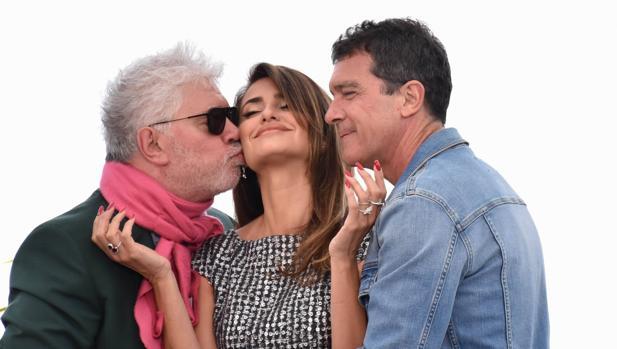 Almodóvar, Cruz y Banderas, en Cannes