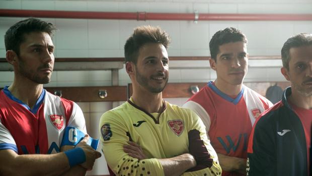 Los jugadores del C.D. Leonés, en la primera temporada de «Todo por el juego»