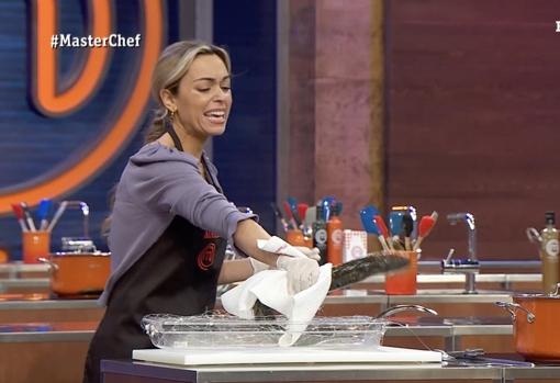 A María también le dio asco la lamprea