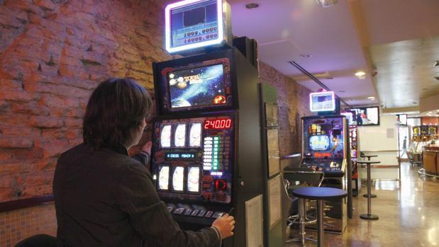 Un ciudadano chino fue asaltado tras ganar dos mil euros en un salón de juegos de Dos Hermanas