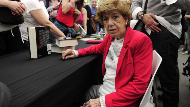 La escritora y periodista Pilar Urbano clausura este jueves en Tomares el foro «España a debete»