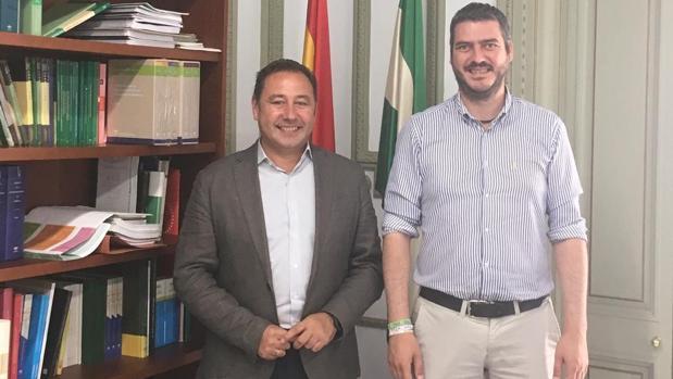 Ricardo Sánchez y Francisco J. Martínez durante la reunión mantenida esta mañana