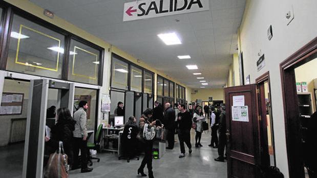 Interior de los juzgados de Sevilla donde pasó a disposición judicial
