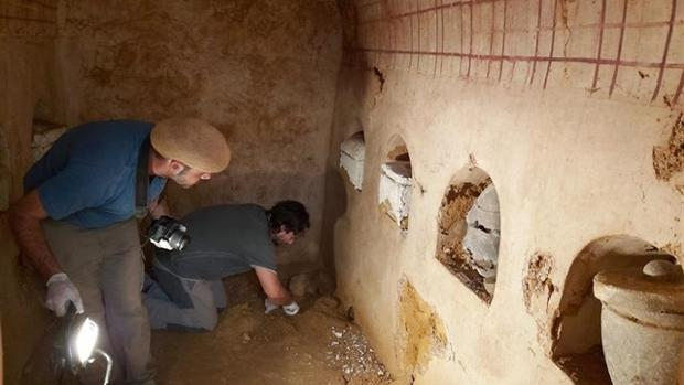 Descubren en Carmona un mausoleo romano con más de dos mil años «completamente intacto»