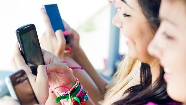 Los teléfonos móviles pueden actuar como trasmisores de bacterias, hongos ambientales y virus