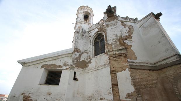 Iglesia de San Lázaro, con su campanario
