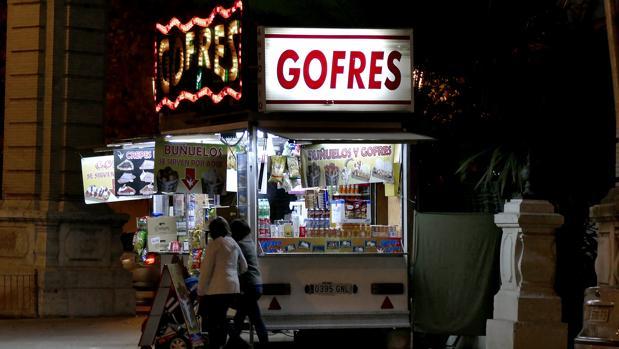 Uno de los puestos ambulantes en las calles de Sevilla