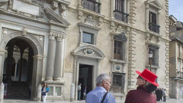 Fachada del edificio de la Real Chancillería de Granada, sede del Tribunal Superior de Justicia de Andalucía.