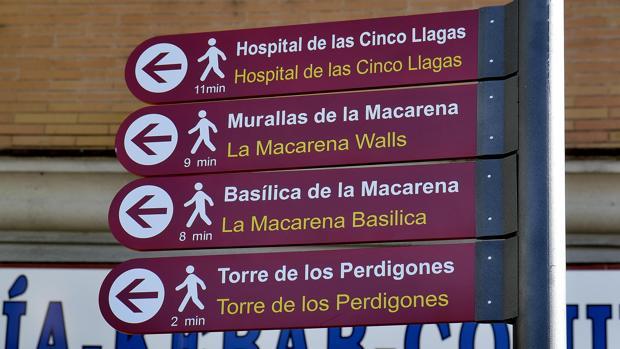 La imagen de uno de los nuevos carteles turísticos de Sevilla mal traducido al inglés ha hecho hervir Twitter