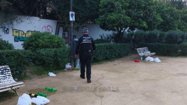 La Policía Local dispersa a varias personas que estaban consumiendo alcohol