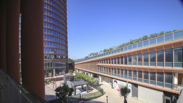 Complejo comercial de Torre Sevilla