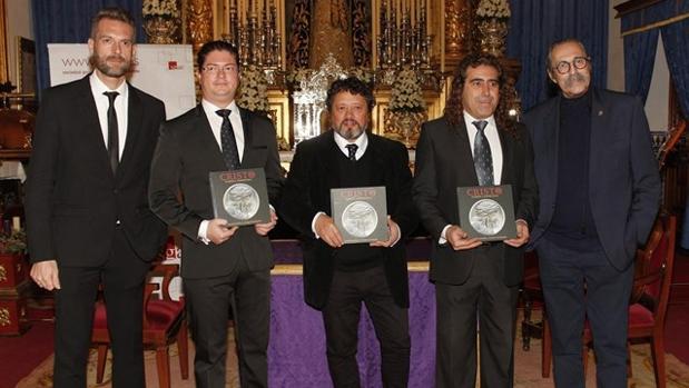 Pascual González y los Cantores de Híspalis durante la presentación de uno de sus discos