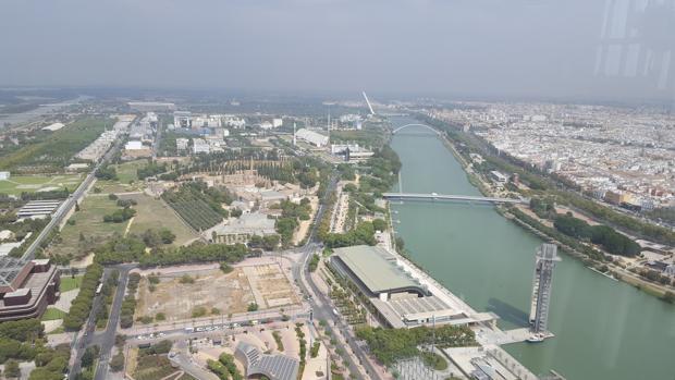 Tramo del río Guadalquivir donde se han proyecto sin éxito varios puentes y pasarelas