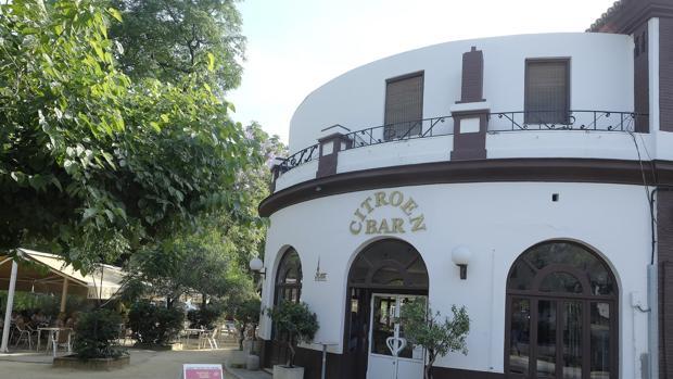 El bar Citroen, en el Parque de María Luisa, seguirá abierto