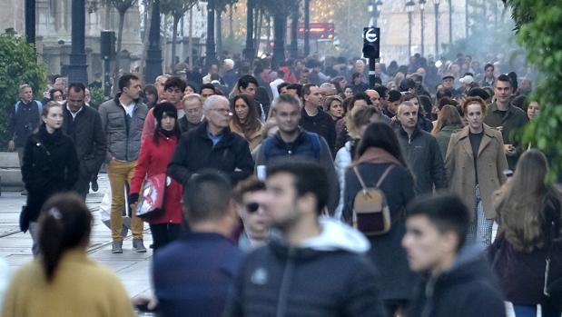 Sevilla ha perdido en la última década más de 15.000 habitantes