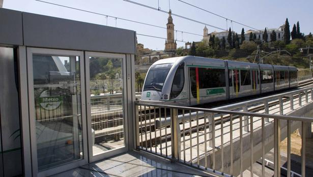 El metro a su paso por el Aljarafe