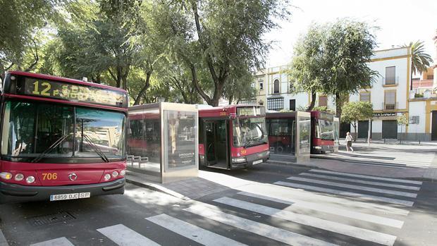 Imagen de archivo de la parada de Tussam en Ponce de León