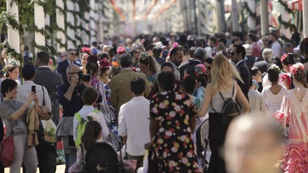 Ayer por la tarde no se cabía en la Feria, que tenía bullas en todas sus calles