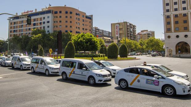 Manifestación del sector de taxi por la regulación de los VTC