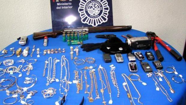 Objetos intervenidos por la Policiía Nacional en una actuación contra una banda de ladrones