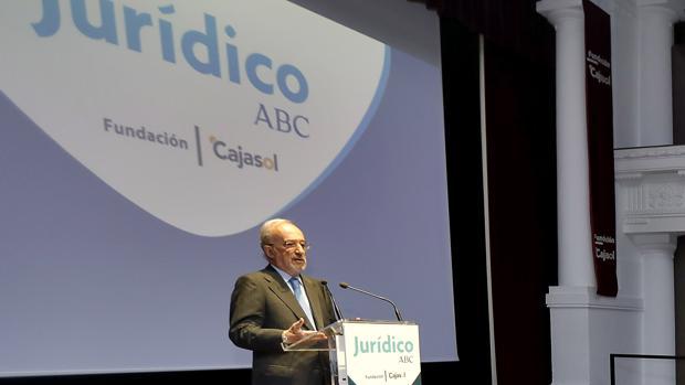Santiago Muñoz Machado, tras recoger el Premio Jurídico ABC-Cajasol