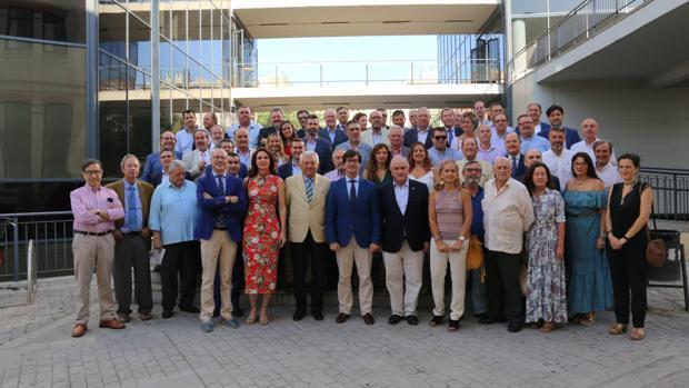 Representantes de empresas e instituciones que conforman la plataforma «Sevilla Ya»