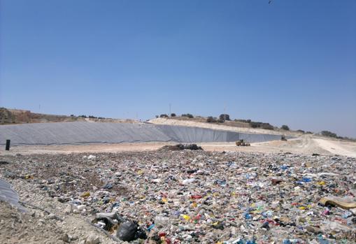 El vertedero sin reciclado previo
