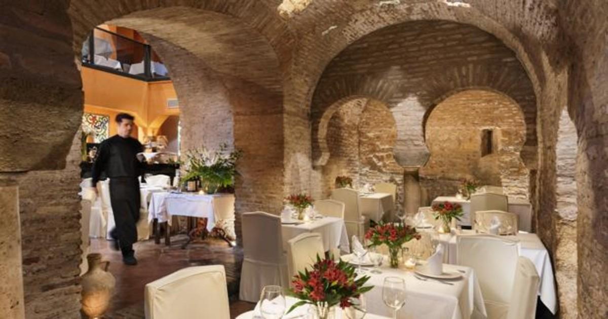 Patrimonio De Sevilla Aparecen Los Baños árabes Del Siglo Xii Bajo Un Bar De La Calle Mateos Gago
