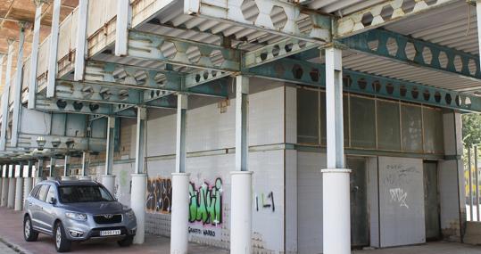 La terminal del monorraíl en la calle Thomas Alva Edison