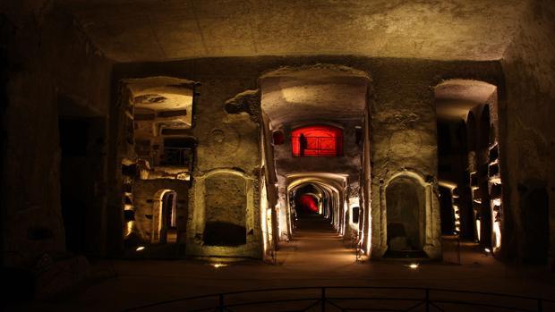Catacumbas de San Gennaro, centros subterráneos de enterramientos paleocristianoramientos en Nápoles